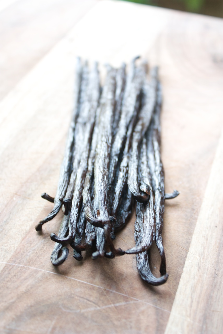 How to Make Vanilla Simple Syrup