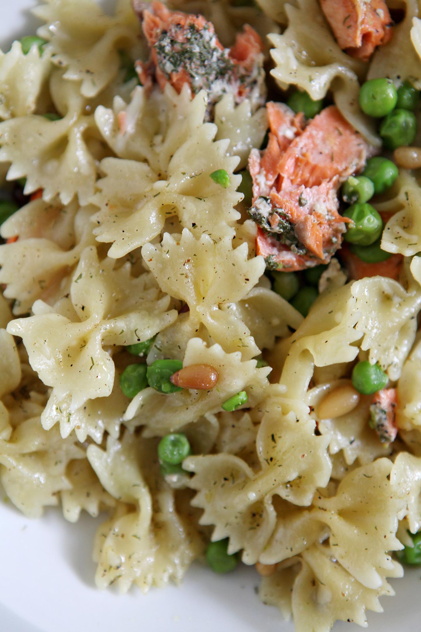 Lemon Salmon Pasta // @speckledpalate for @mycookingspot