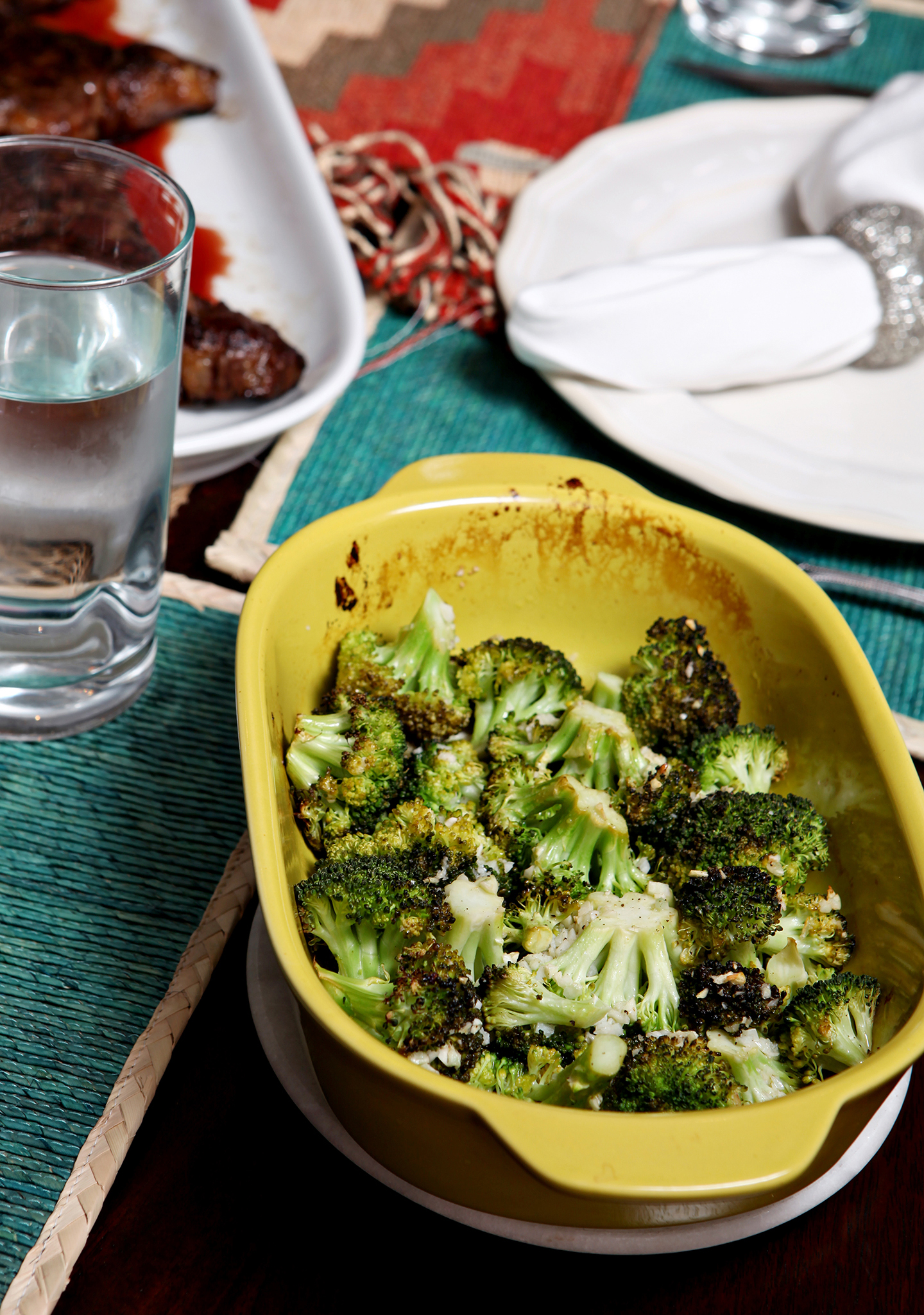 Lemon Garlic Roasted Broccoli   Looking for a simple and delicious side that comes together in less than 30 minutes? Try out this wonderful Lemon Garlic Roasted Broccoli, which is light, tasty and super easy to make! // @speckledpalate for @mycookingspot