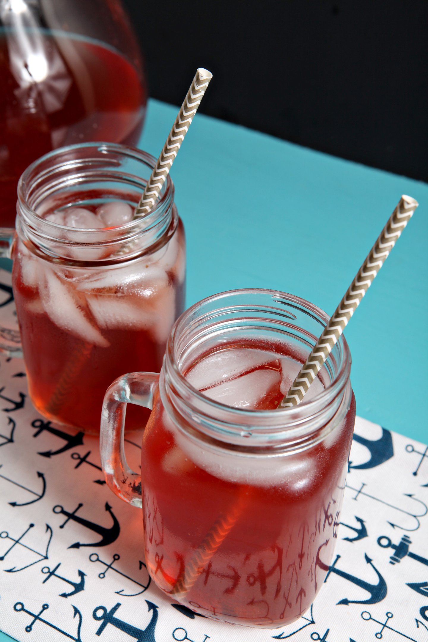 Strawberry Sweet Tea | Stay cool during the dog days of summer with this refreshing Strawberry Sweet Tea! Singing of strawberries and summertime sweetness, this tea is perfect to sip during a warm afternoon.