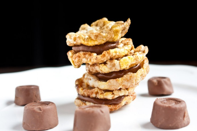 5 Minute Rolo Stuffed Rice Cakes - salty sweet and oh so addicting! You need to make these now!