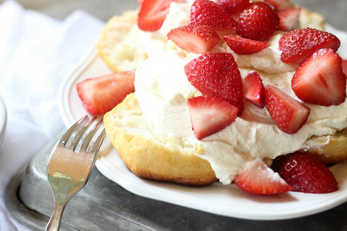 simple and quick strawberry shortcake dessert