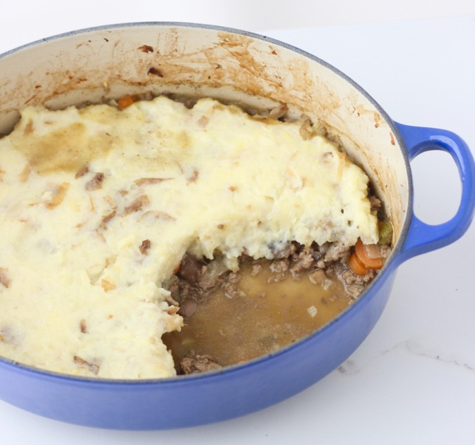 Shepherd's Pie from @memeinge ~ It doesn't get much better than a veggie-filled meat sauce covered with cheesy mashed potatoes
