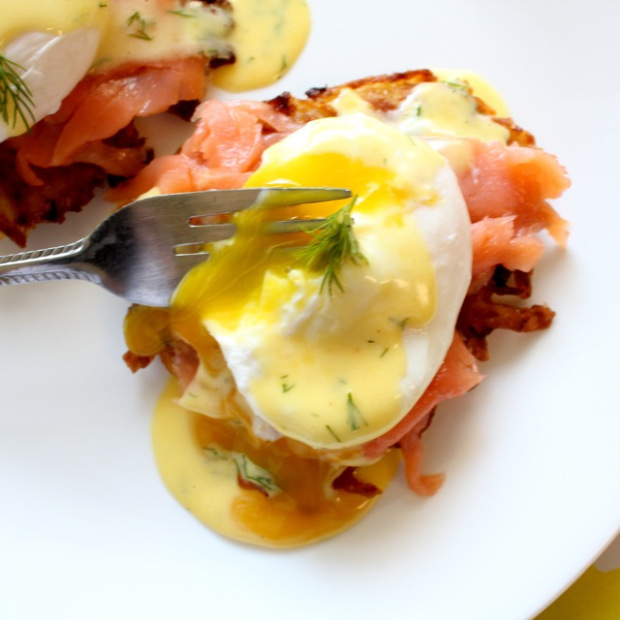 eggs-benedict-potato